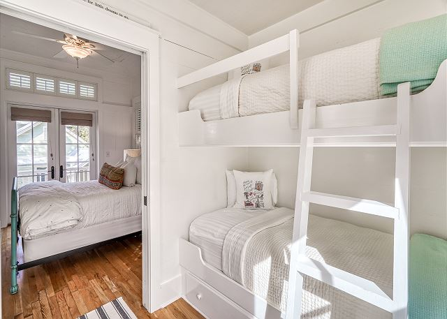Daydream Believer Carriage House Only #79